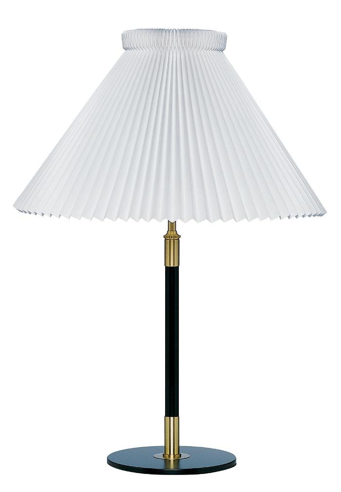 le klint – 352 bordlampe sort/messing le klint på luxlight.dk