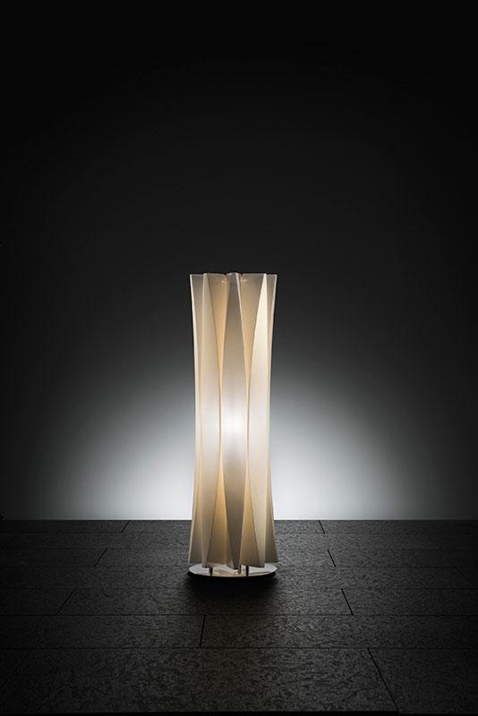 Bach Bordlampe Medium Gylden SLAMP