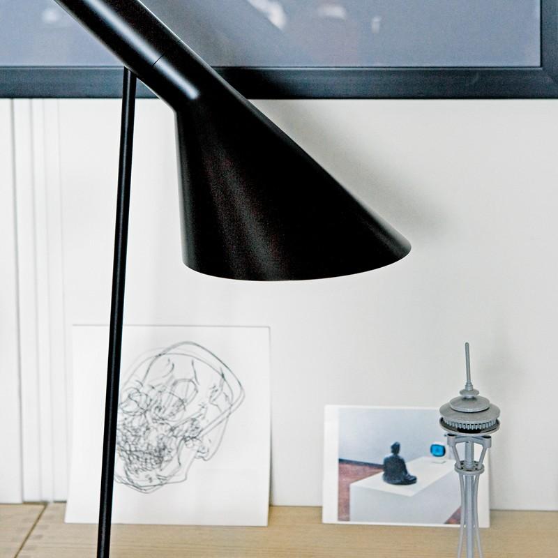 AJBordlampeSortLouisPoulsen-01
