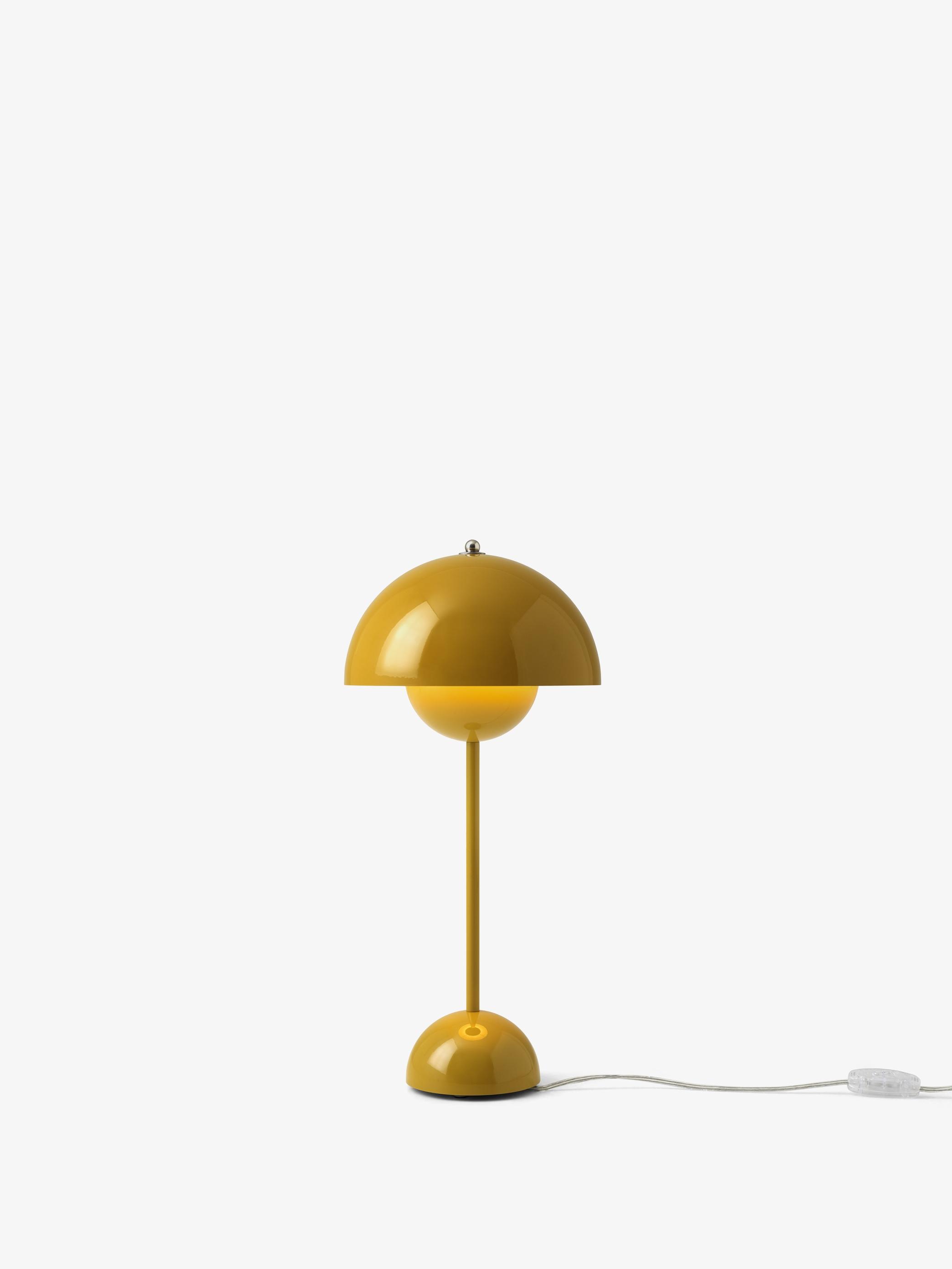 Flowerpot VP3 Bordlampe Sennep - &Tradition