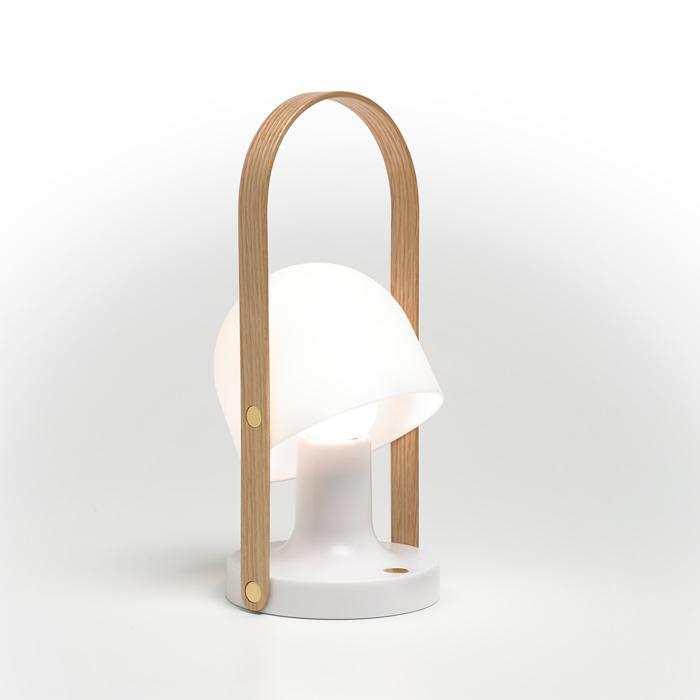 Follow me transportabel bordlampe fra lampefeber på luxlight.dk