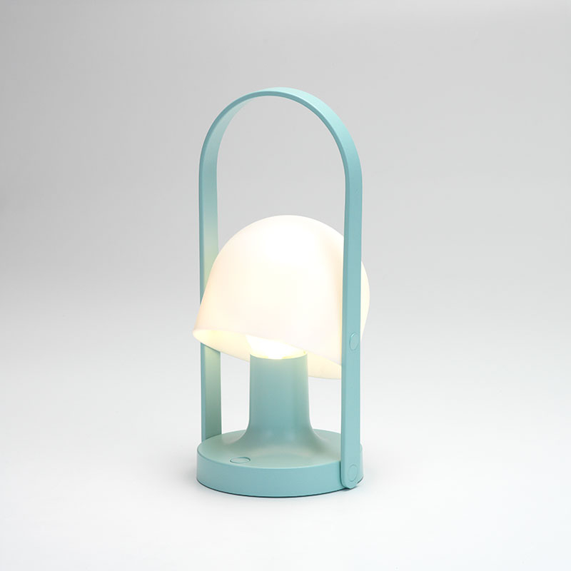 Follow Me Light Blue transportabel Bordlampe