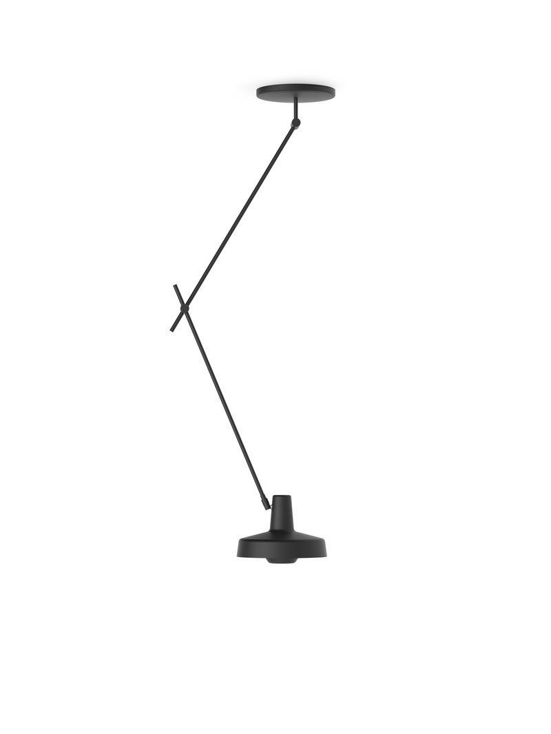 Køb Arigato Loftlampe Lang Sort – Grupa Products