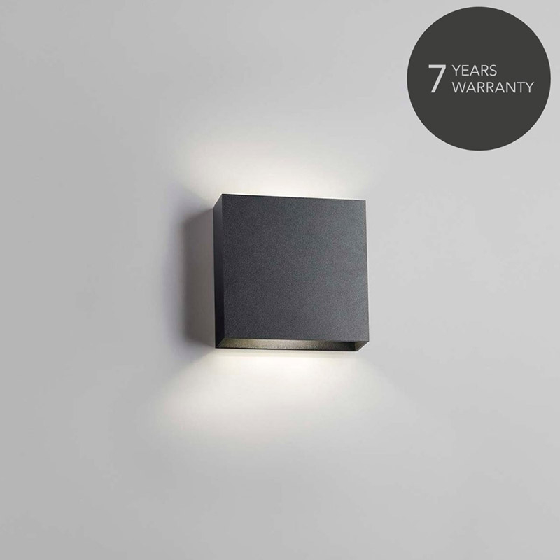 Compact up-down w1 led sort - 2700k - light-point fra light-point på luxlight.dk