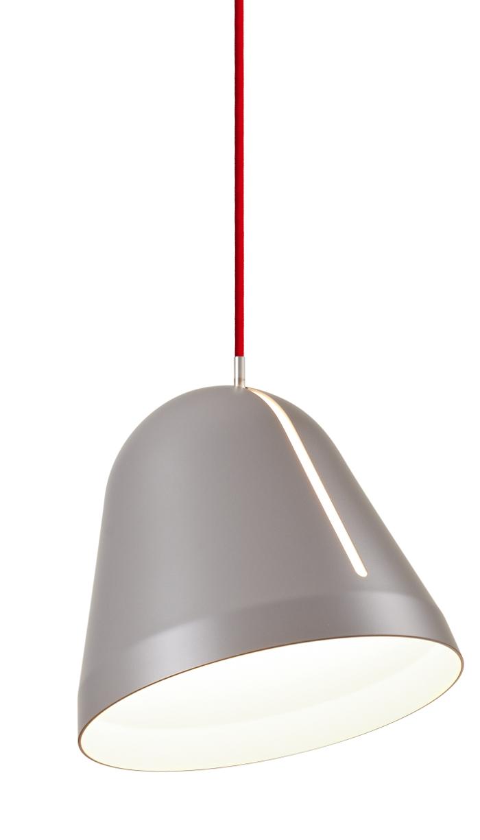 lampefeber – Tilt pendel small grå med rød ledning udstillingsmodel før 2345,- fra luxlight.dk