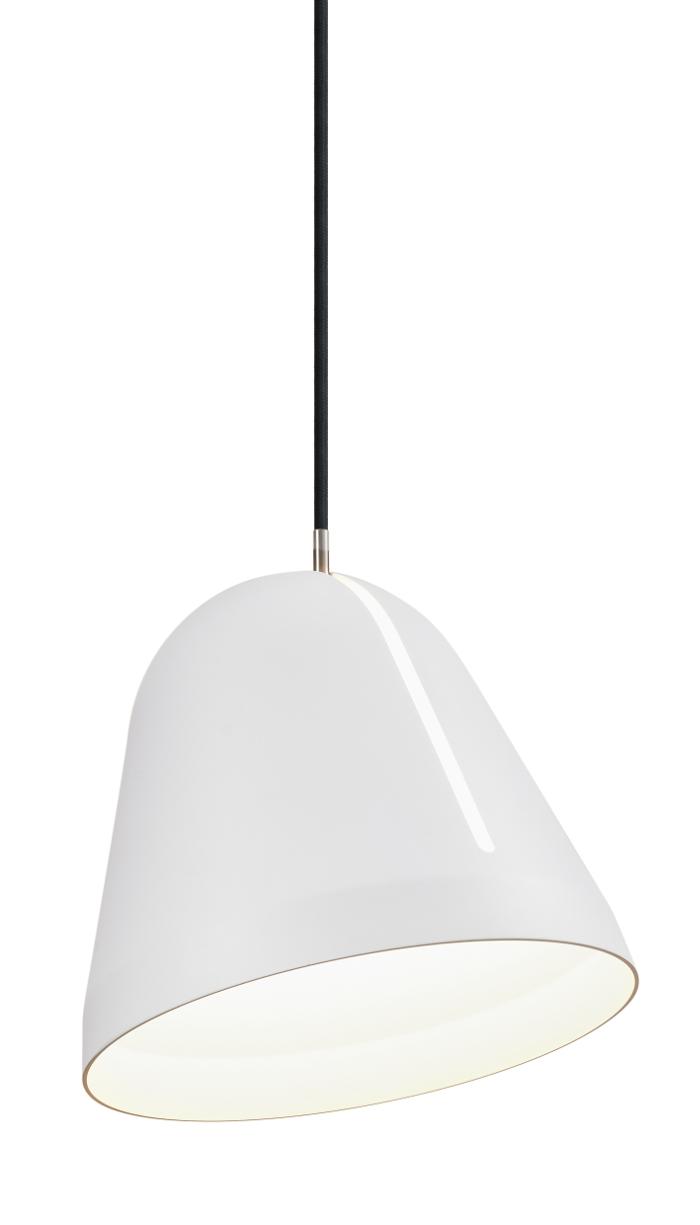 Tilt pendel hvid med sort ledning udstillingsmodel før 2999,- fra lampefeber på luxlight.dk