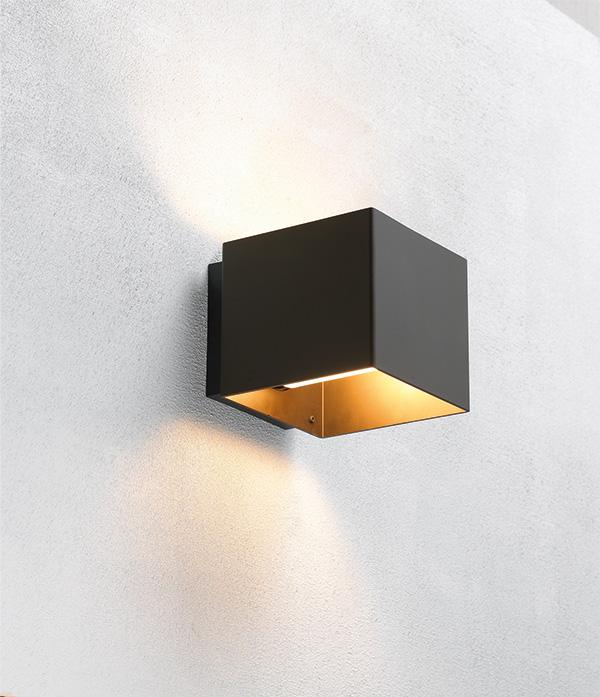 embacco – Welcome bronze væglampe - embacco på luxlight.dk